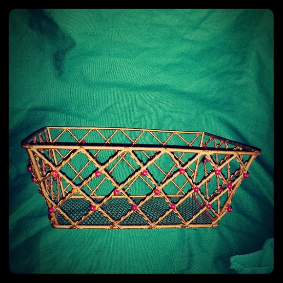 Other - Vintage Heavy bronze colored beaded wire basket